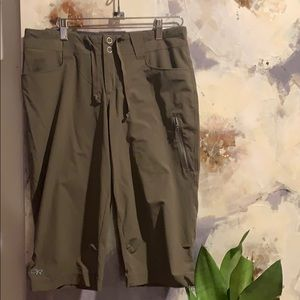 - Outdoor research capri! DRY FIT!